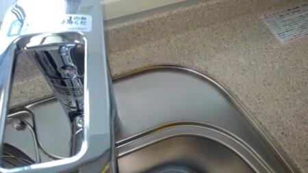キッチン(シンク)の清掃&ガラスコーティングを東京都目黒区自由が丘で行いました。【施工事例53】