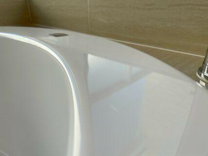 お風呂(浴槽)の清掃&ガラスコーティングを東京都府中市八幡町で行いました。【施工事例51】