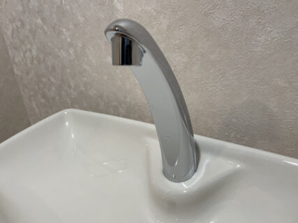 トイレの清掃&ガラスコーティングを東京都府中市片町で行いました。【施工事例58】